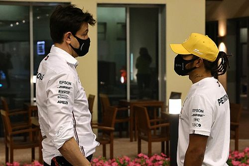 "Hamilton: ""Not my first rodeo"" facing questions on F1 future"