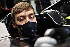Russell még az időmérőn is rossz gombokat nyomott a Mercedes kormányán