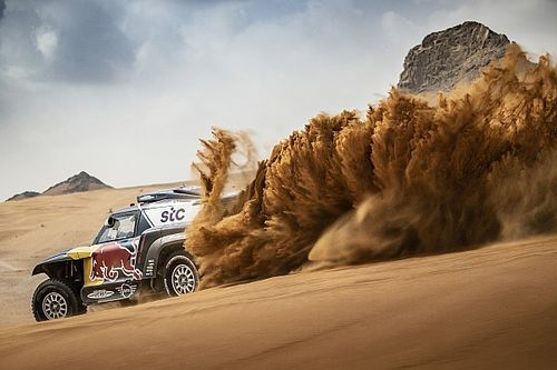 Sainz believes Dakar win between Toyota and X-raid