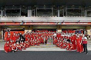 Vettel, Ferrari'ye kendi yazdığı şarkıyla veda etti