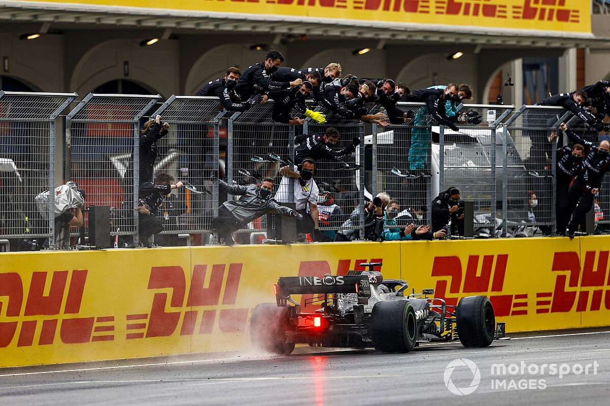 "Hamilton: Turkish GP my ""stand-out performance"" of F1 2020"