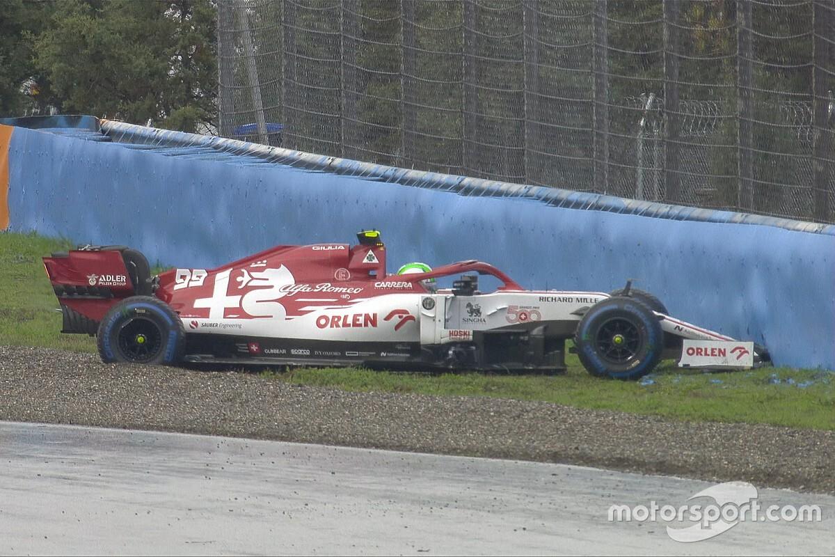 Giovinazzi ve Russell, gride çıkış turunda kaza yaptılar!
