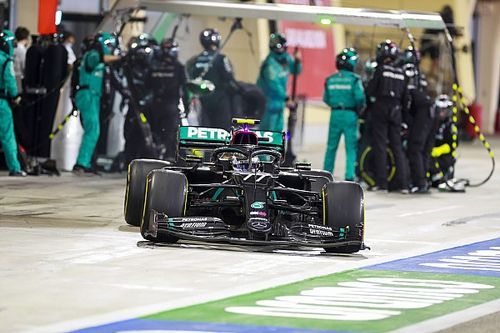 لماذا بدّل بوتاس ثلاثة إطارات فقط خلال آخر وقفة صيانة في سباق البحرين