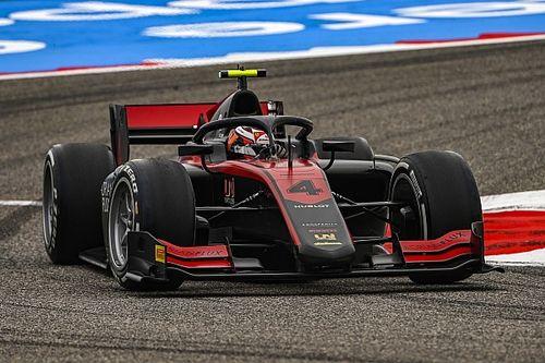 Ilott recorta distancias en la lucha por el título de la F2 con pole en Bahrein