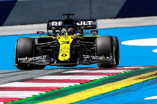 Ricciardo hit knee against steering column in FP2 crash