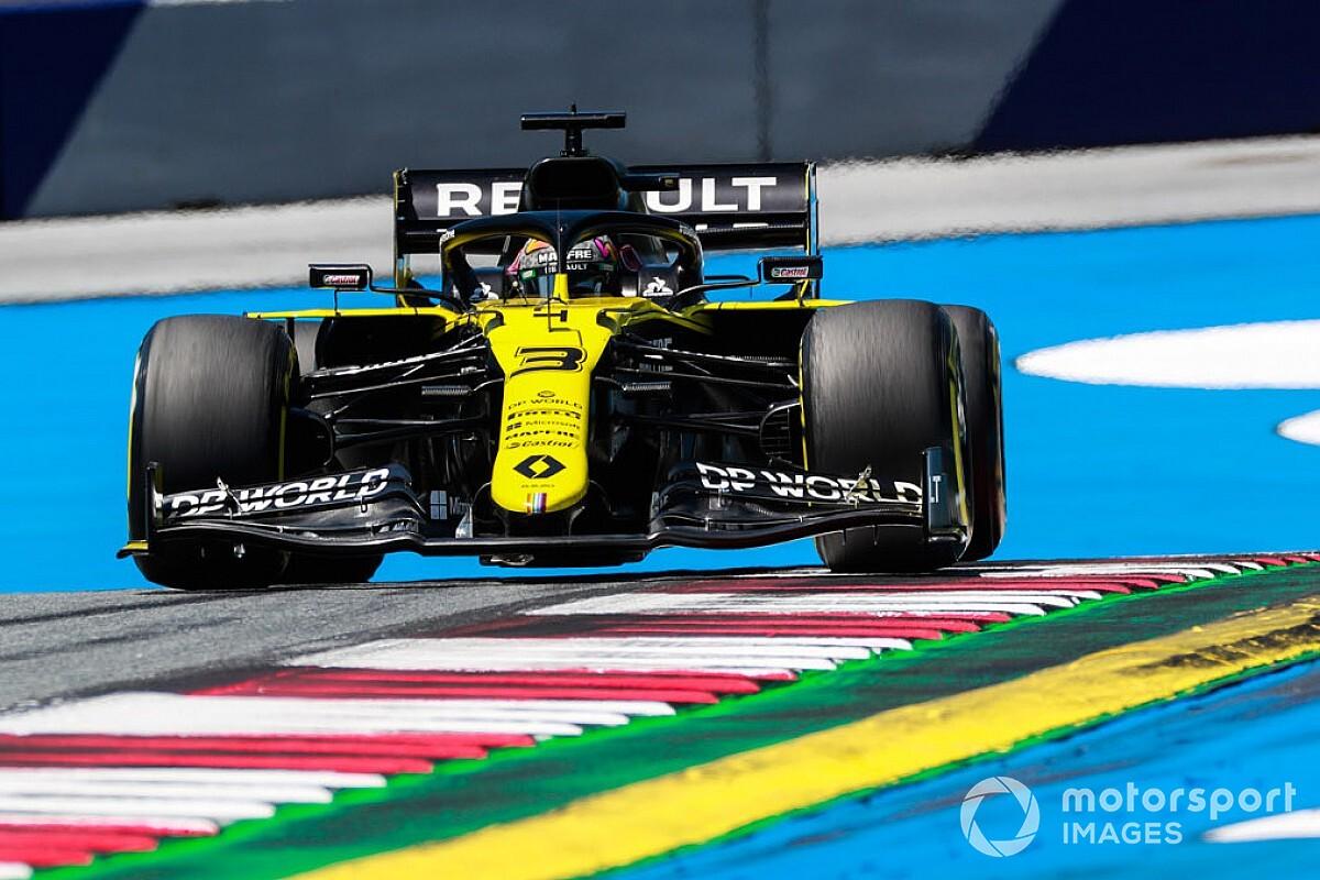 Ricciardo hit knee against steering column in FP2 crash