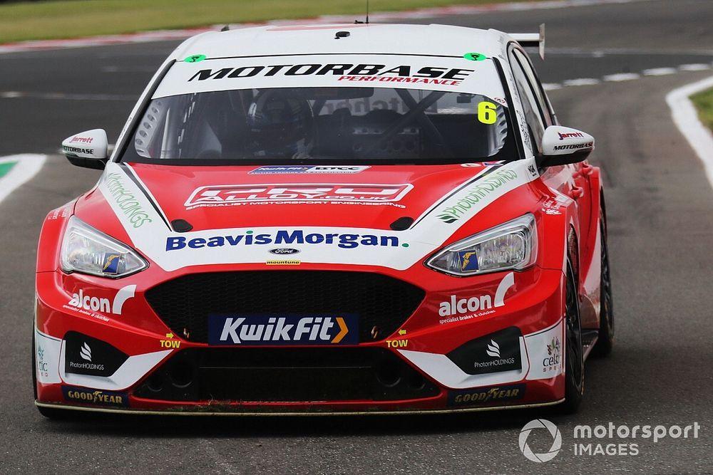 Brands Hatch BTCC: Butcher puts new Ford on pole