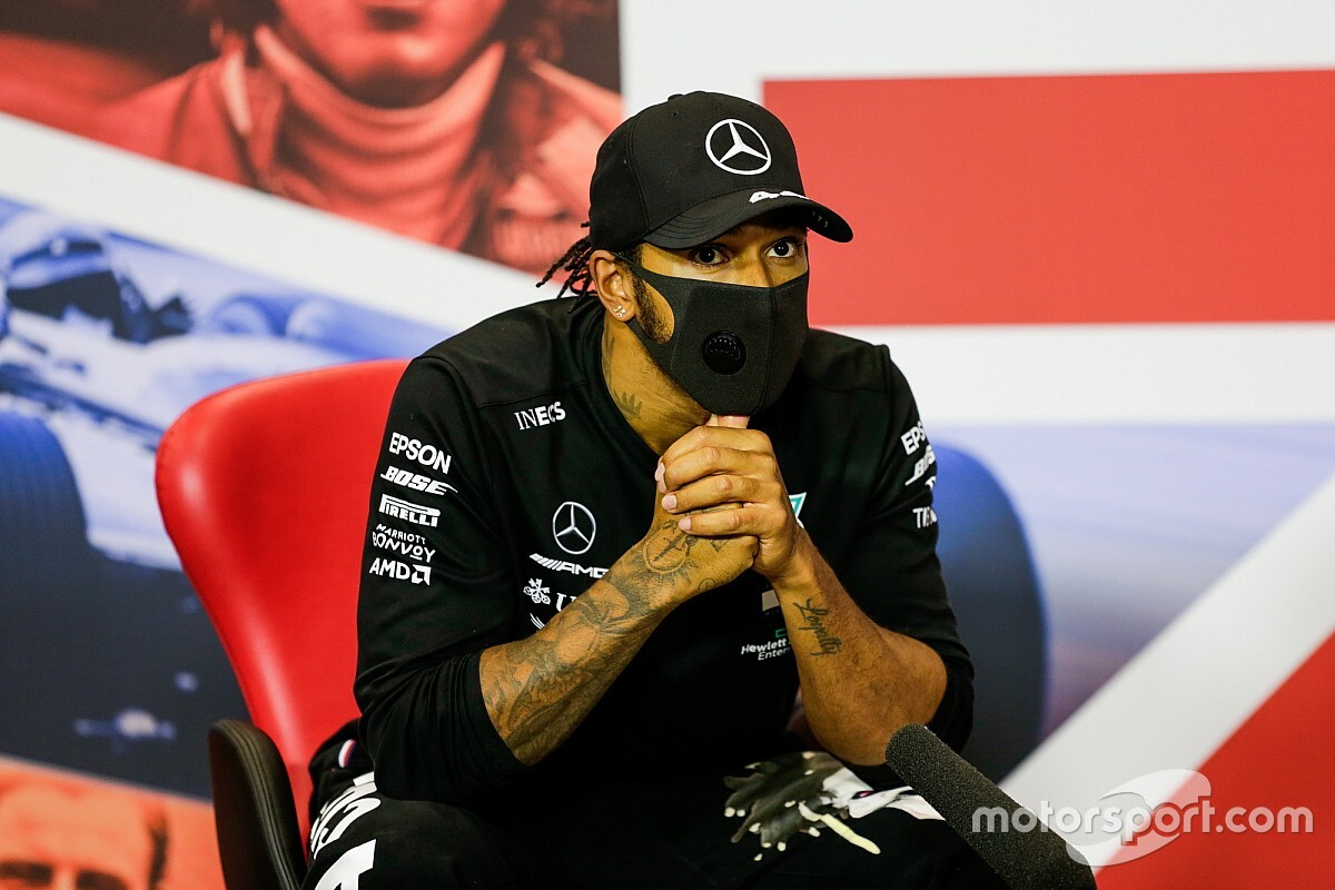 """Hamilton : """"Pas le bon moment"""" pour négocier avec Mercedes"""