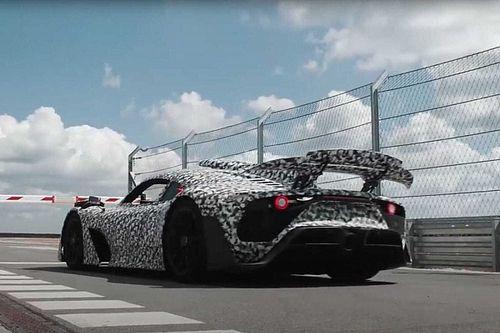 Videó: A Mercedes-AMG már majdnem kész, ilyen, amikor kimutatja a foga fehérjét