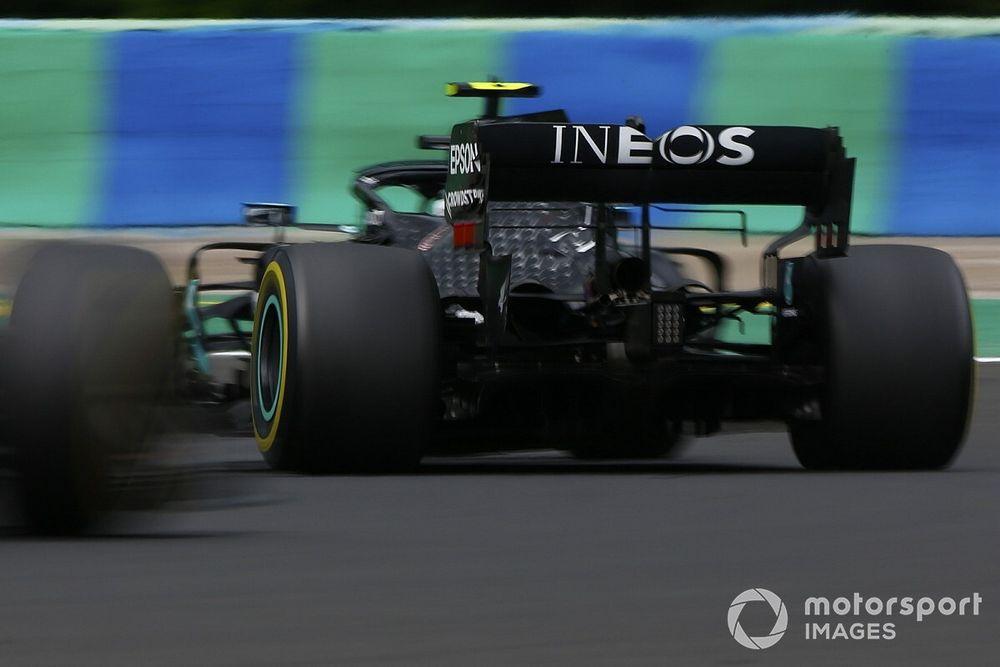 Вольф попенял Mercedes за «сумбур» на последних кругах