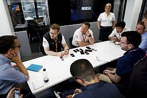A McLaren csúsztatja IndyCarba való beszállását