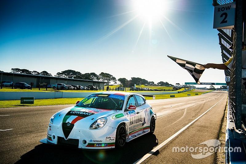 L'Alfa Romeo centra il doppio successo in TCR Australia con O'Keeffe