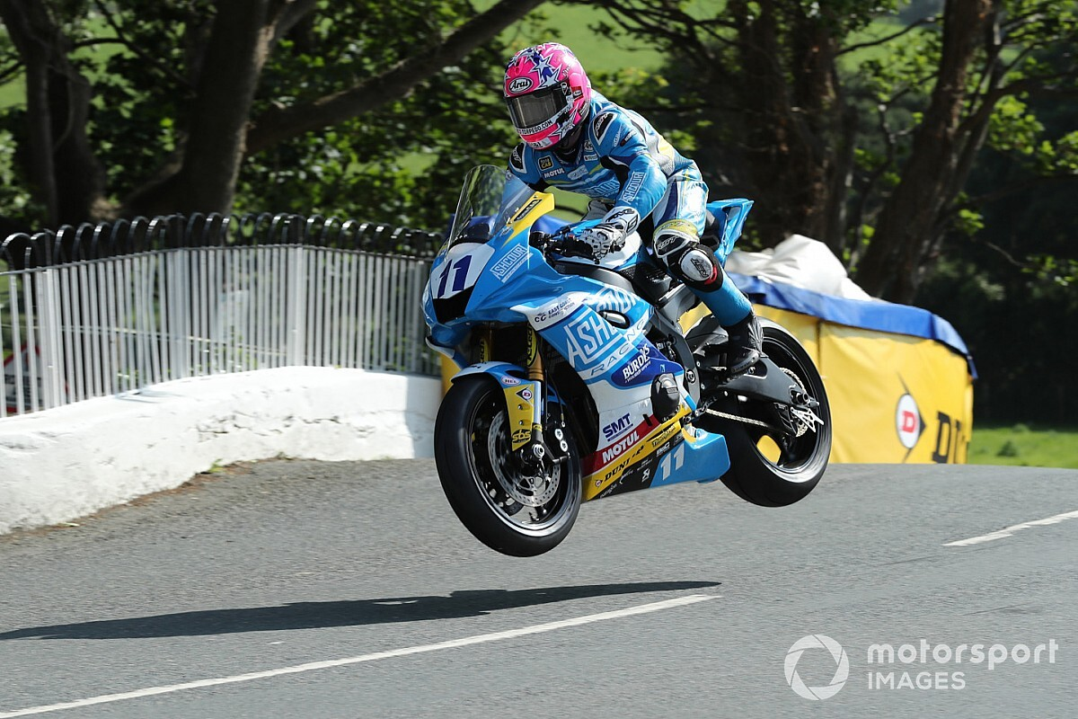 Isle of Man TT: Johnston scores maiden victory in Supersports