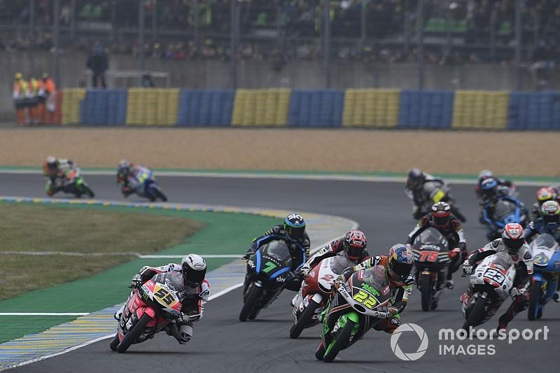 Moto3, pioggia di penalità e griglia stravolta in Austria