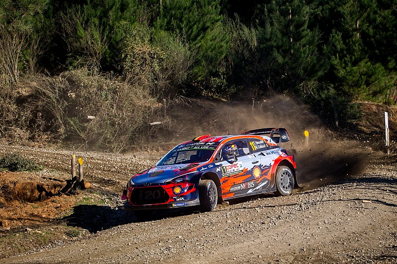 Neuville crashes out of Rally Chile