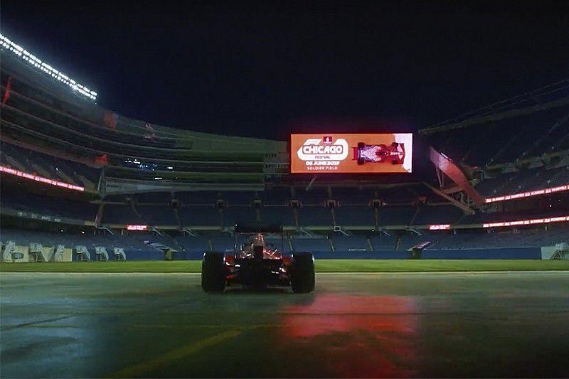 VIDEO: Un F1 suelto en el Soldier Field de Chicago