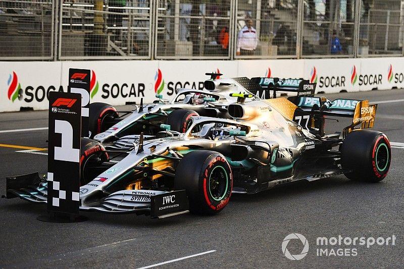 Hamilton quiere cambiar su volante tras el VSC de Bakú
