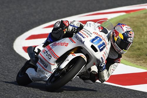 Martin suffers hand injury after Barcelona crash