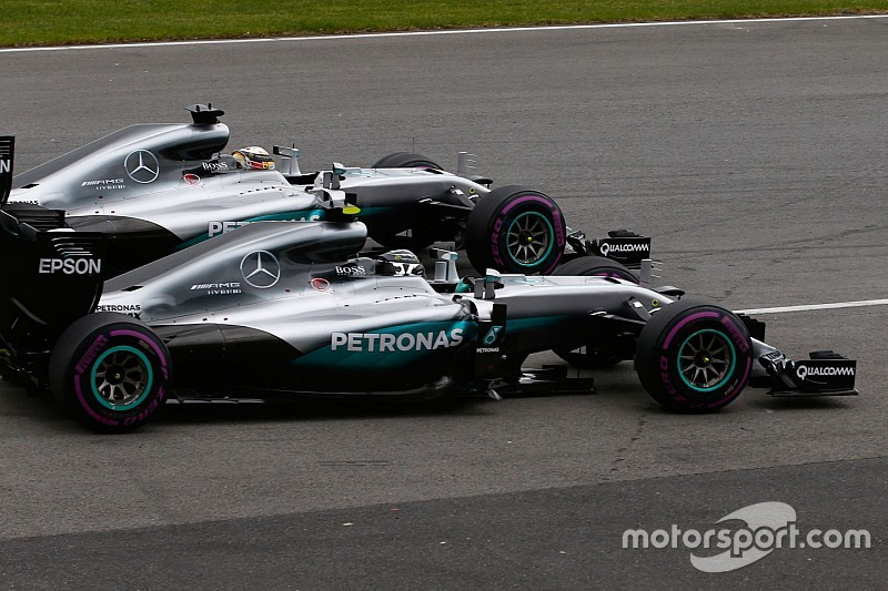 Rosberg won't change approach despite shrinking gap