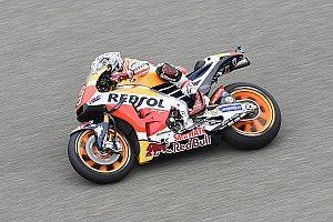 Aragon MotoGP: Marquez tops FP3, him and Rossi among crashers