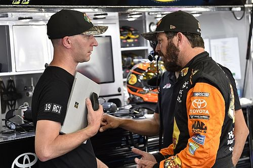 Truex's crew chief Cole Pearn in shock Joe Gibbs Racing exit