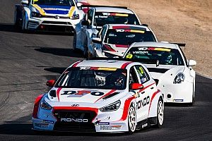 Alex Davison takes TCR Australia driving standards role