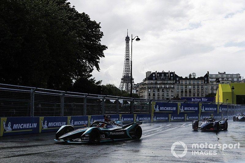 """Parigi, uno dei candidati al ruolo di sindaco tuona: """"Se mi eleggono, basta Formula E!"""""""