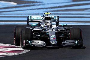 Bottas snelste in tweede training, Hamilton hindert Verstappen
