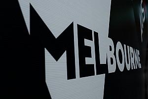 Golfautókkal versenyeztek az Ausztrál Nagydíj helyszínén: videó