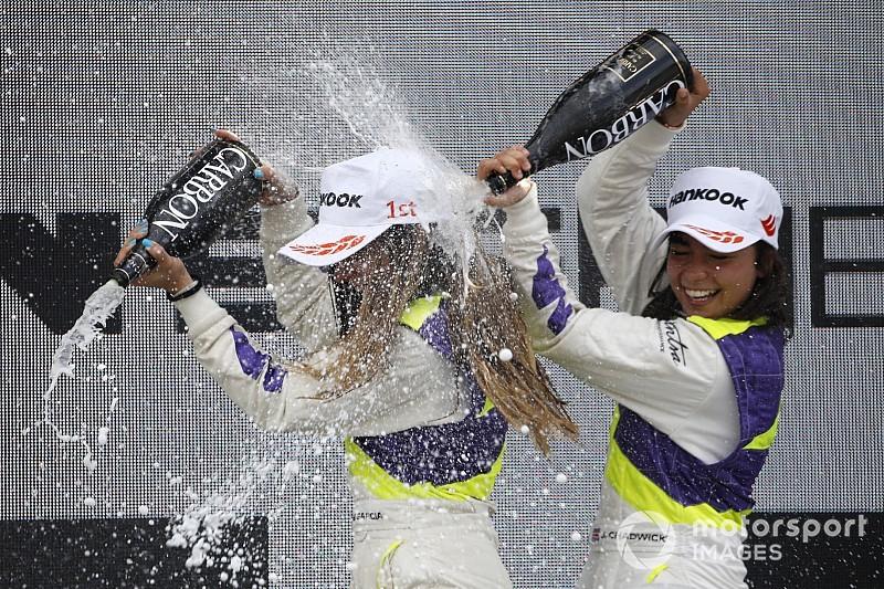 Самые быстрые девушки уик-энда: фотогалерея этапа W Series на «Норисринге»