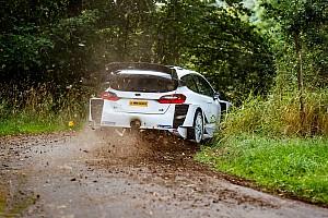 Tercer test de Bottas con un WRC: ¿diversión o flirteo? (fotos y vídeo)