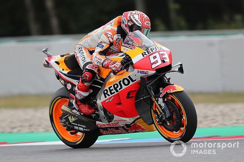 Маркес показал лучшее время на мокрой трассе в третьей тренировке Гран При Чехии