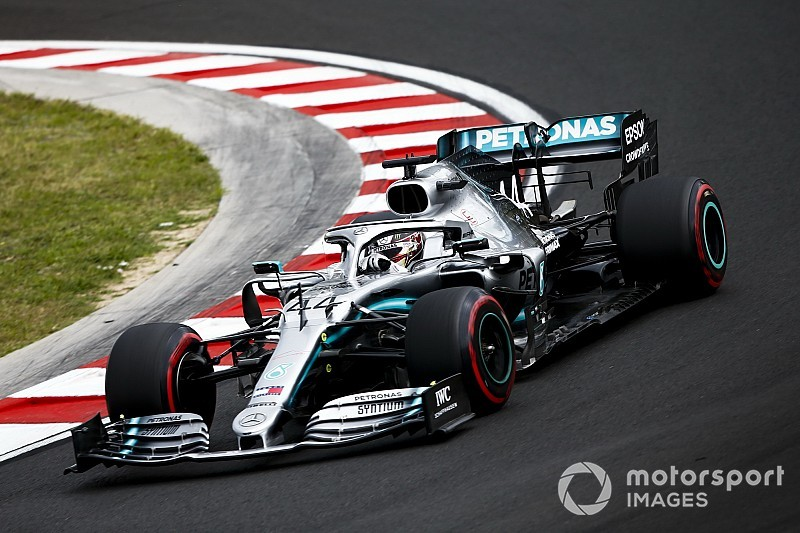 Hungarian GP: Hamilton tops FP1 as Bottas hits trouble