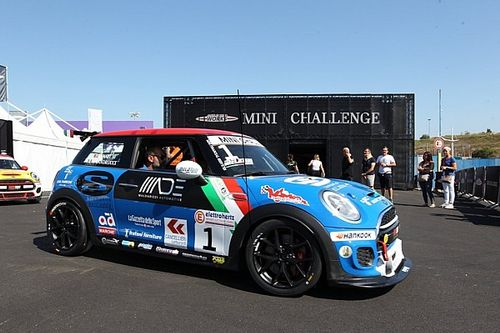 MINI Challenge: Sandrucci domina Gara 1 a Vallelunga
