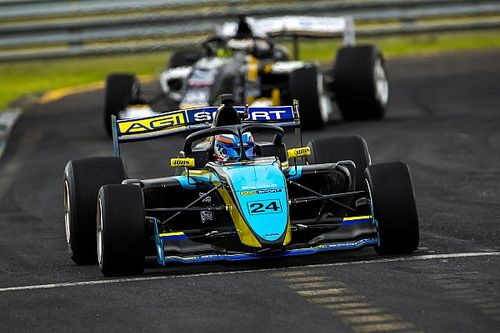Sandown S5000: Martin takes first pole by 0.01s