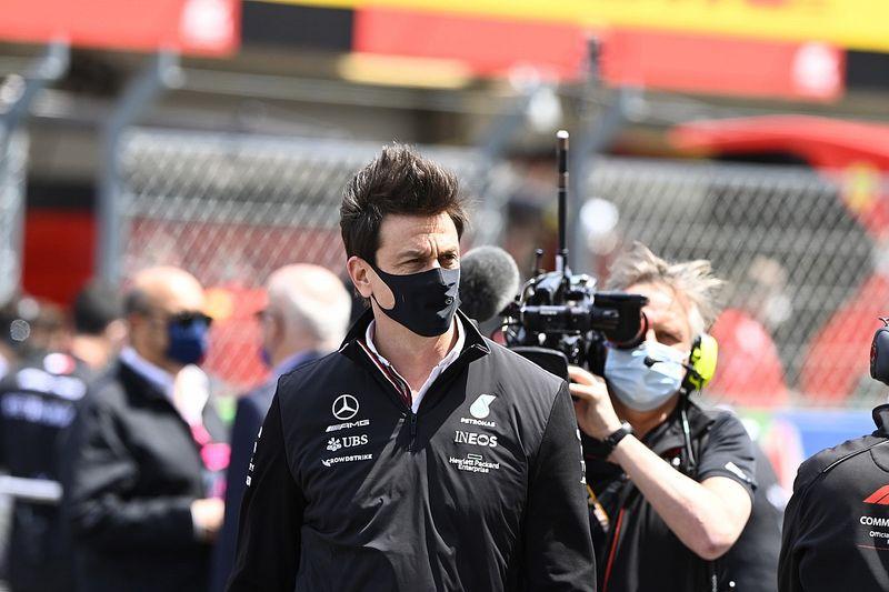 """Wolff: """"La sfida con la Red Bull durerà tutta la stagione"""""""