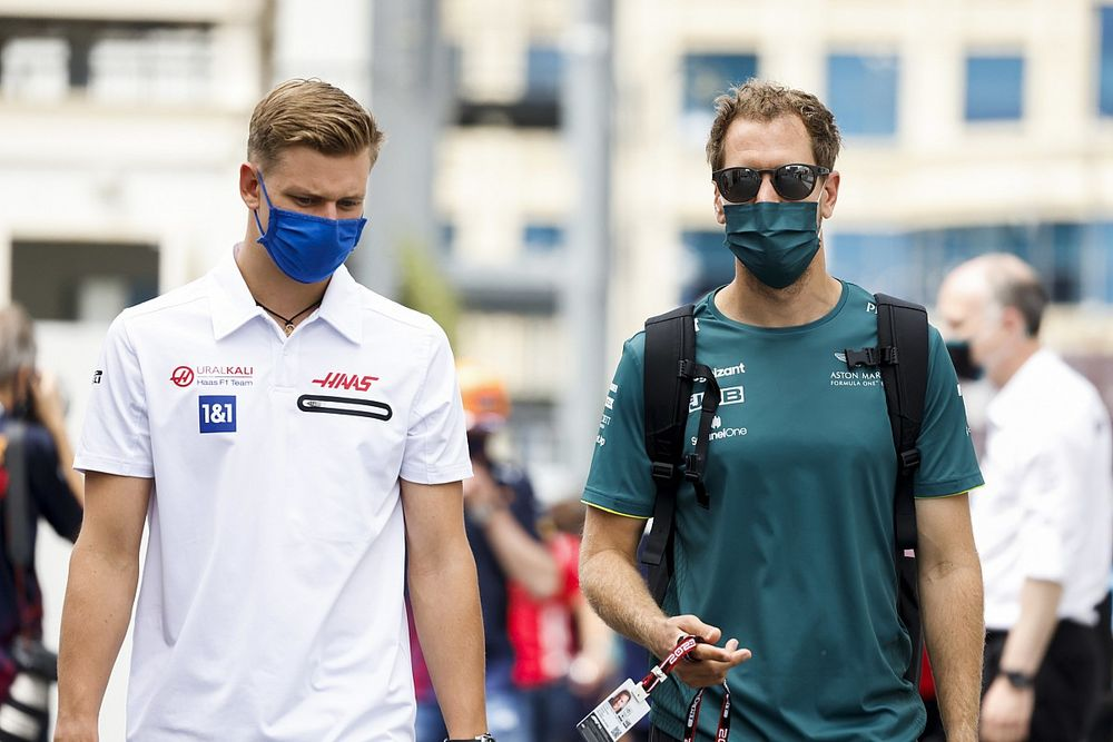 Vettel úgy érzi, Schumacher sokat segített a Haasnak a fejlődésben