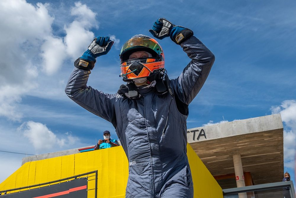 """Líder da classe AM, Campos destaca carros """"iguais"""" na GT Sprint Race"""