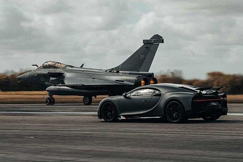 La Bugatti Chiron Sport contre un avion Rafale!