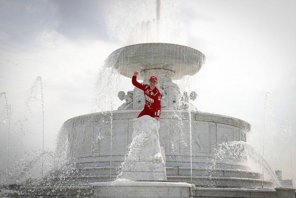 إندي كار: ماركوس إريكسون يسجّل فوزه الأول من بوابة ديترويت