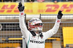 """Hamilton raggiante: """"Ho battuto le Ferrari con giri speciali, serviva la perfezione per essere in pole"""""""