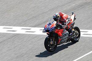 Довициозо стал быстрейшим во второй сессии, травмированный Лоренсо попал в аварию