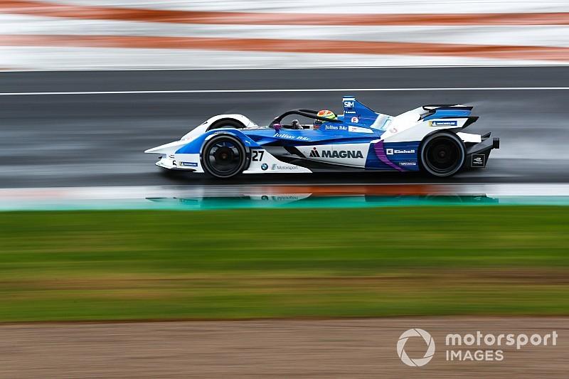 Sims mantiene a BMW al frente en Valencia