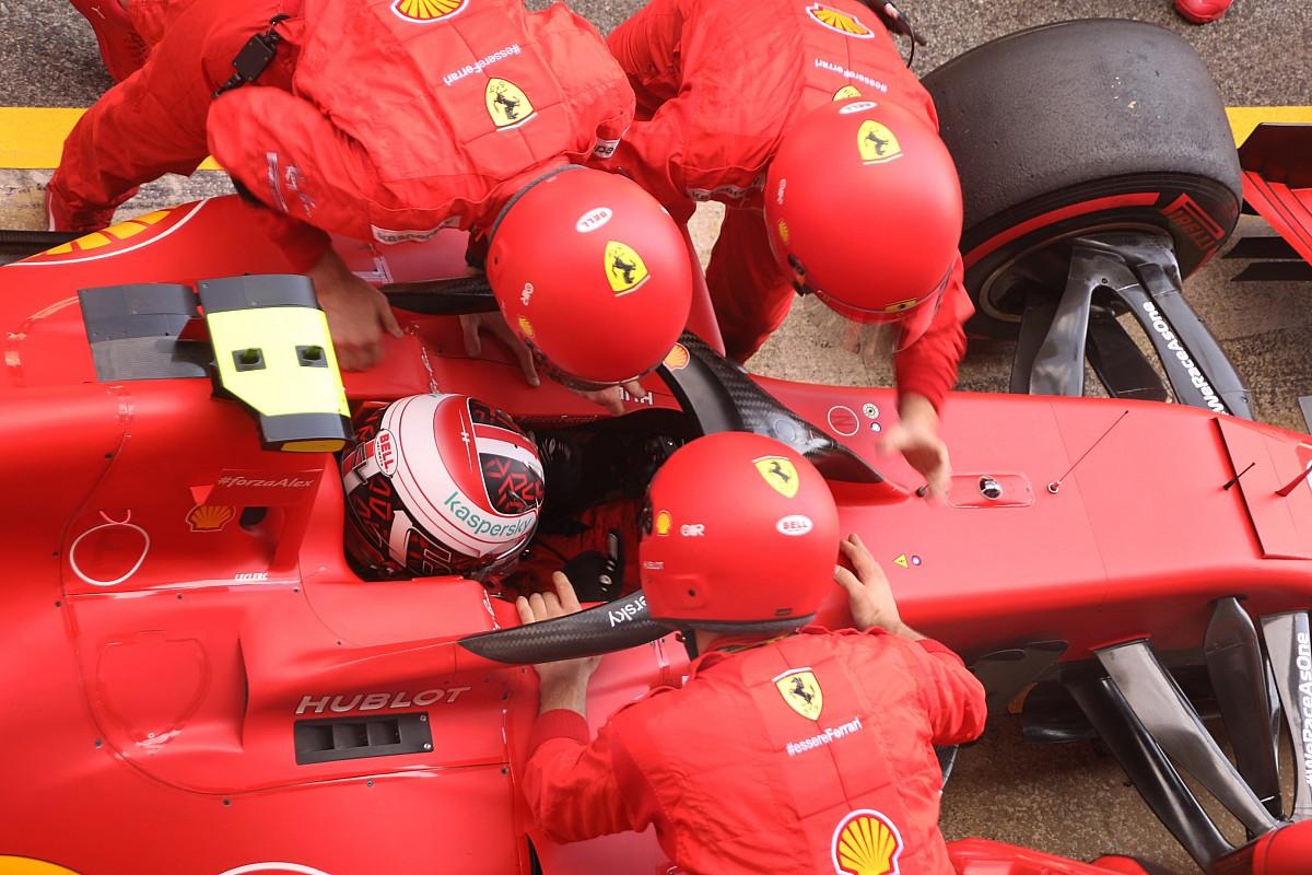 """Leclerc: """"Motor tekrar çalışmaz diye kemerimi çözdüm"""""""