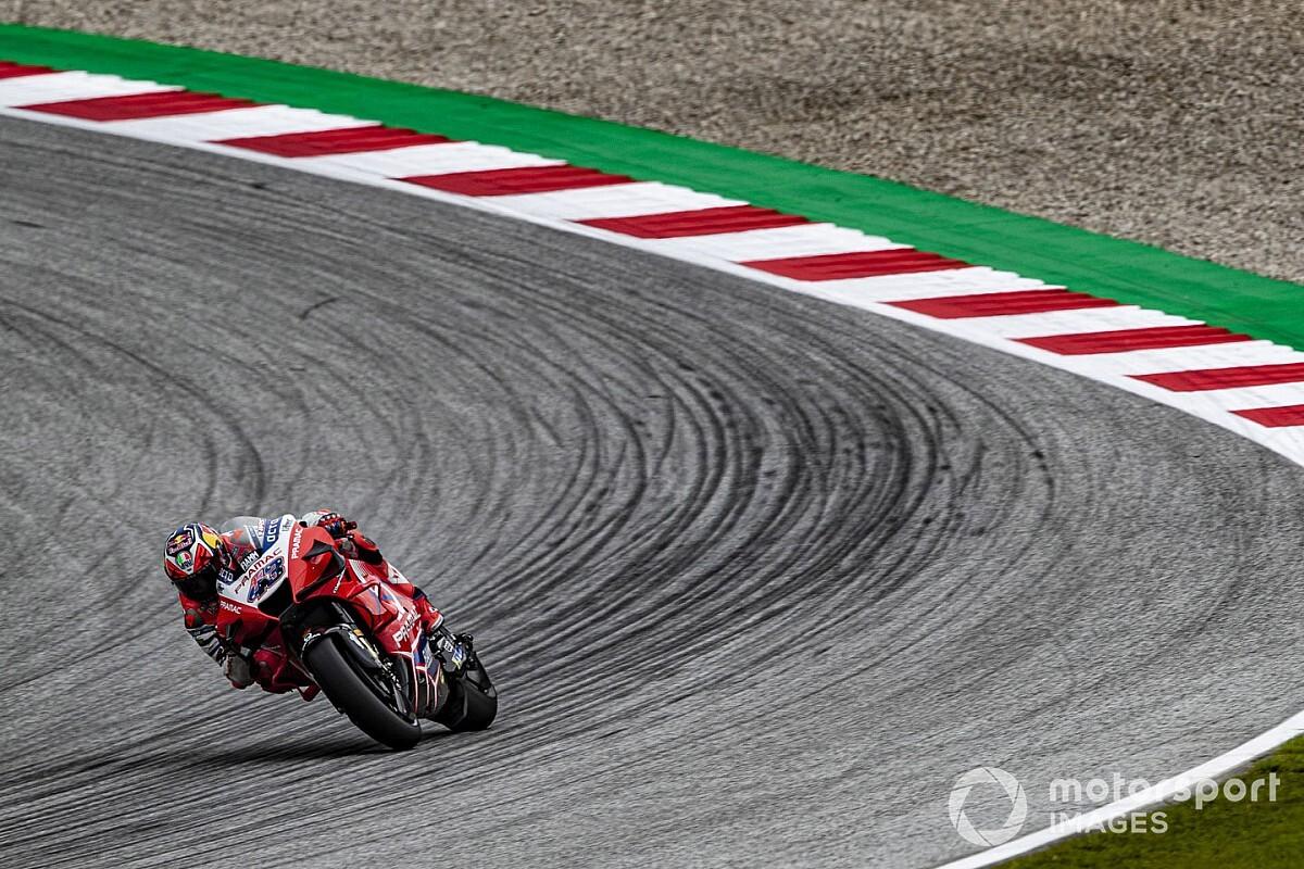 Regen zorgt voor weinig actie in tweede training GP Oostenrijk