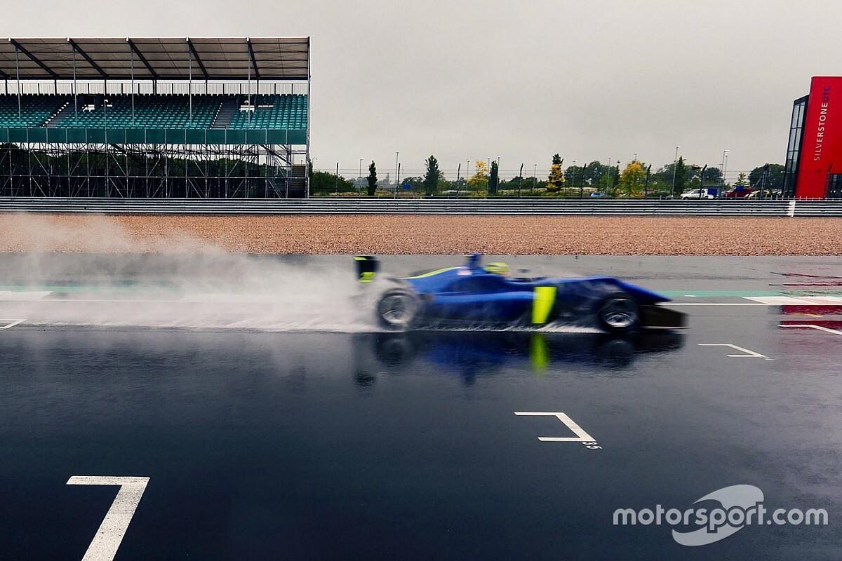 F1: Sainz e Norris fazem teste com carro de F3 em Silverstone