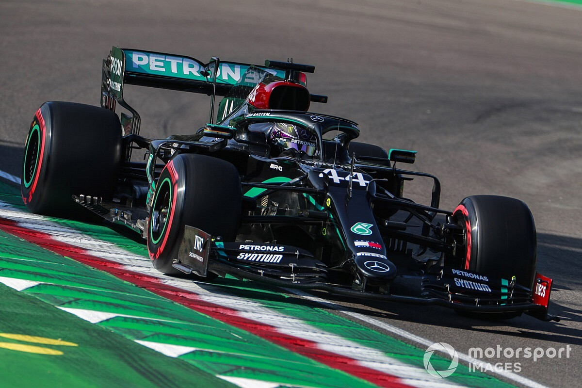 "Hamilton predicts a ""boring"" F1 race at Imola"
