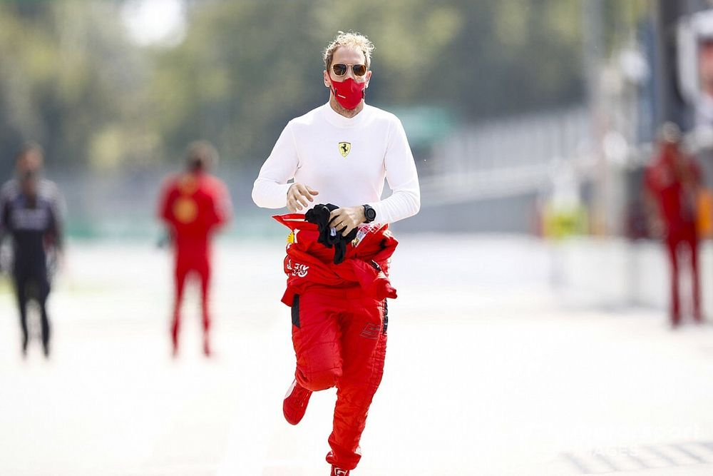 Vettel, Hamilton'ın kararını mı bekliyor?