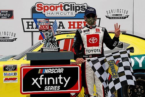 Brandon Jones steals Darlington Xfinity win as leaders wreck