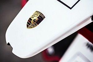 Hatalmas képgaléria a Formula E tesztjéről: pályán a Mercedes és a Porsche